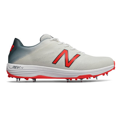 New Balance 10v3 Minimus Mens Cricket Spikes