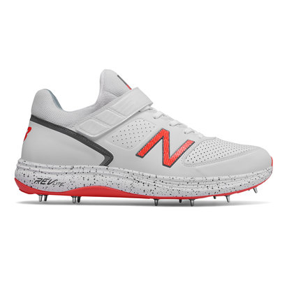 New Balance 4040v3 Mens Cricket Spikes