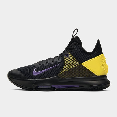 Nike Witness 4 Basketball Shoe