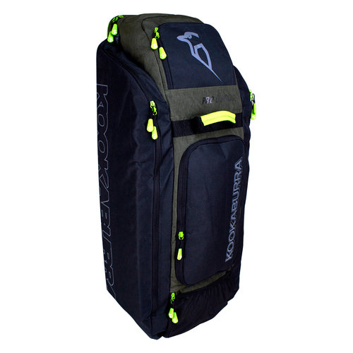 Pro D3000 Duffle Cricket Bag