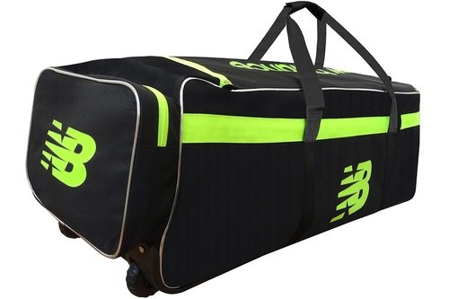 2018 DC680 Wheeled Cricket Bag